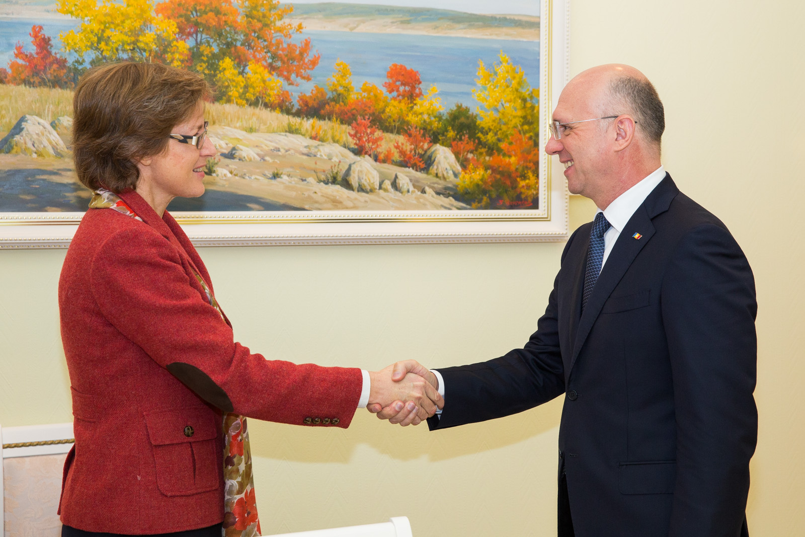 premeirul filip si ambasadorea germaniei
