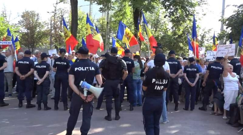proteste chisinau, proteste in moldova, politia republicii moldova, platforma da proteste