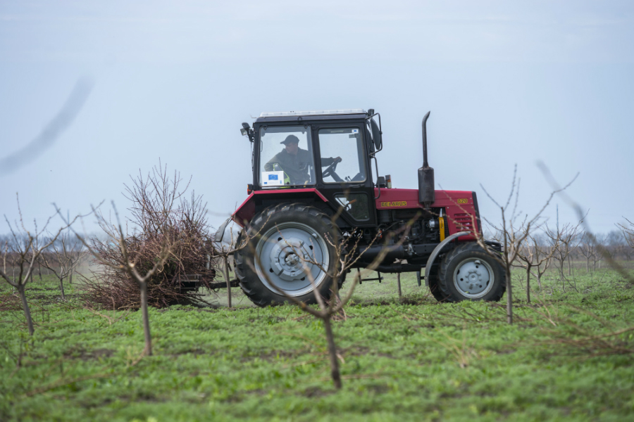 accident rutier, accident cahul, a cazut din tractor