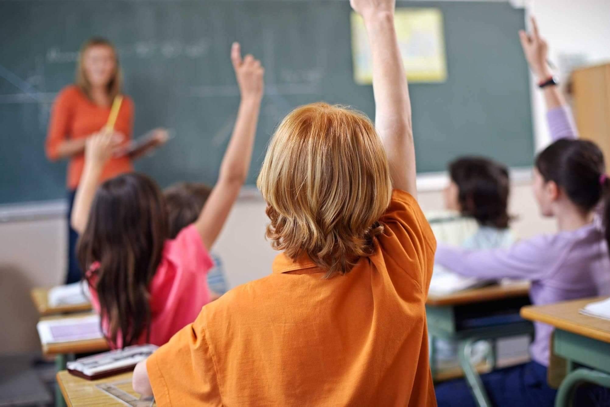 Ce surpriză îi așteaptă pe elevii moldoveni în acest an de studii, monica babuc educatie, guvernul filip, scoli chisinau, copii la lectii,