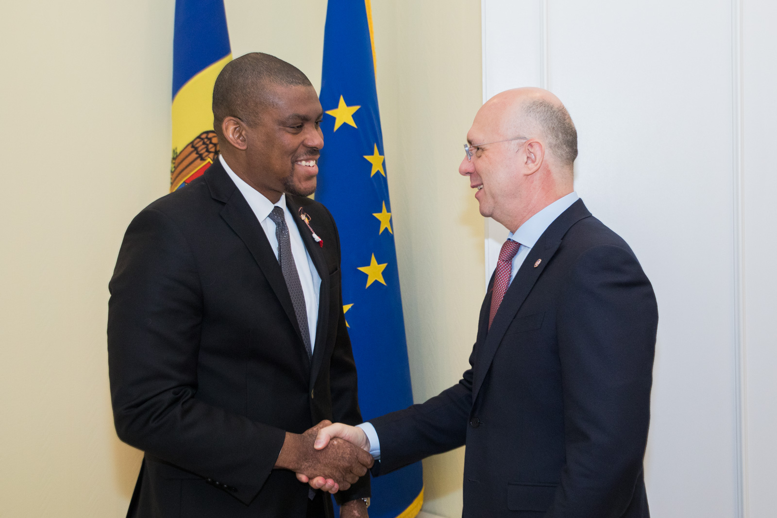ambasada sua in moldova, dereck hogan, guvernul pdm, guvernul filip, dialog moldo-american, guvenrul republicii moldova