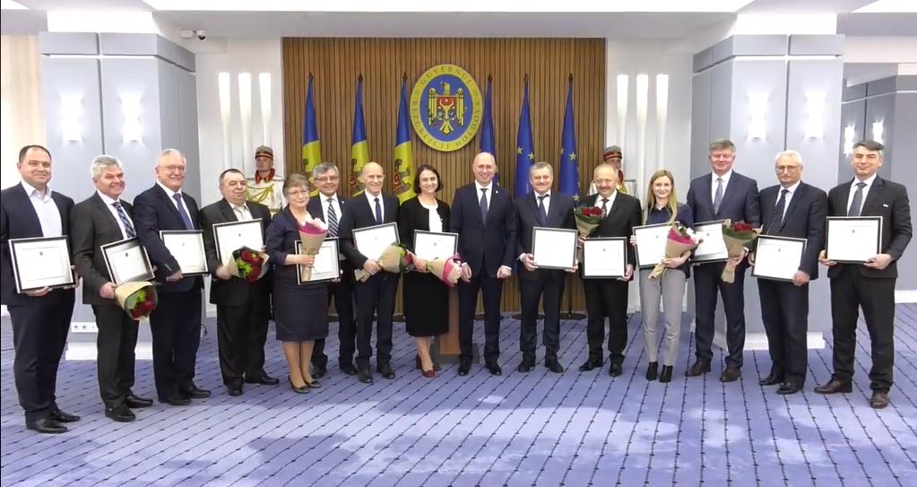 un grup de medici din Moldova au primit Diplome de Onoare din partea lui Pavel Filip, ziua mondiala a sanatatii, medicina modova, pdm filip, partidul democrat din moldova,