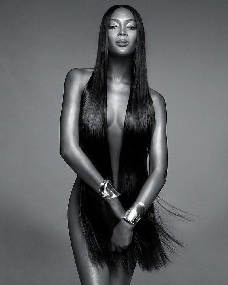 La 49 de ani, modelul american Naomi Campbell a pozat goală, vedete porno, femei frumoase